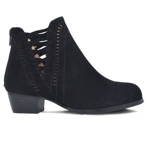 ⭐️ Chase & Chloe Woven Suede Ankle Bootie Black